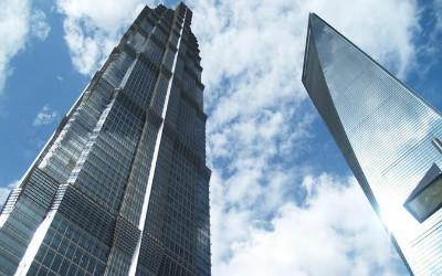 中国高楼大厦应刹车